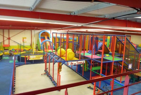 Ile aux jeux parc de loisirs cholet maine et loire for Parc de loisir interieur